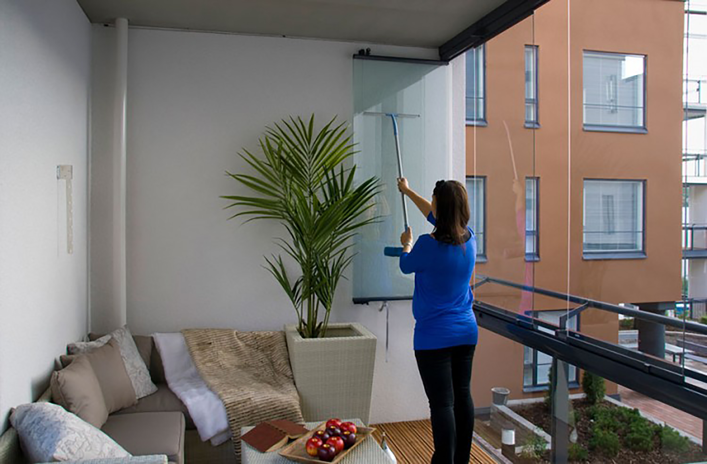 balcony glass, balcony glass cleaning, balcony glass maintenance