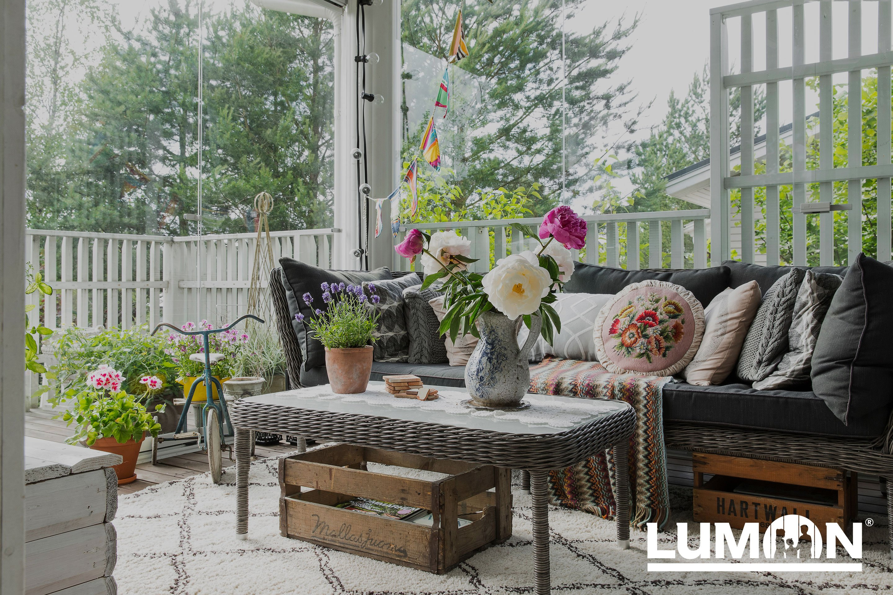lumon canada, retractable glass sunroom, sunroom hamilton, sunroom toronto, sunroom GTA, sunroom mississauga, sunroom stoney creek, sunroom kitchener, sunroom cambridge