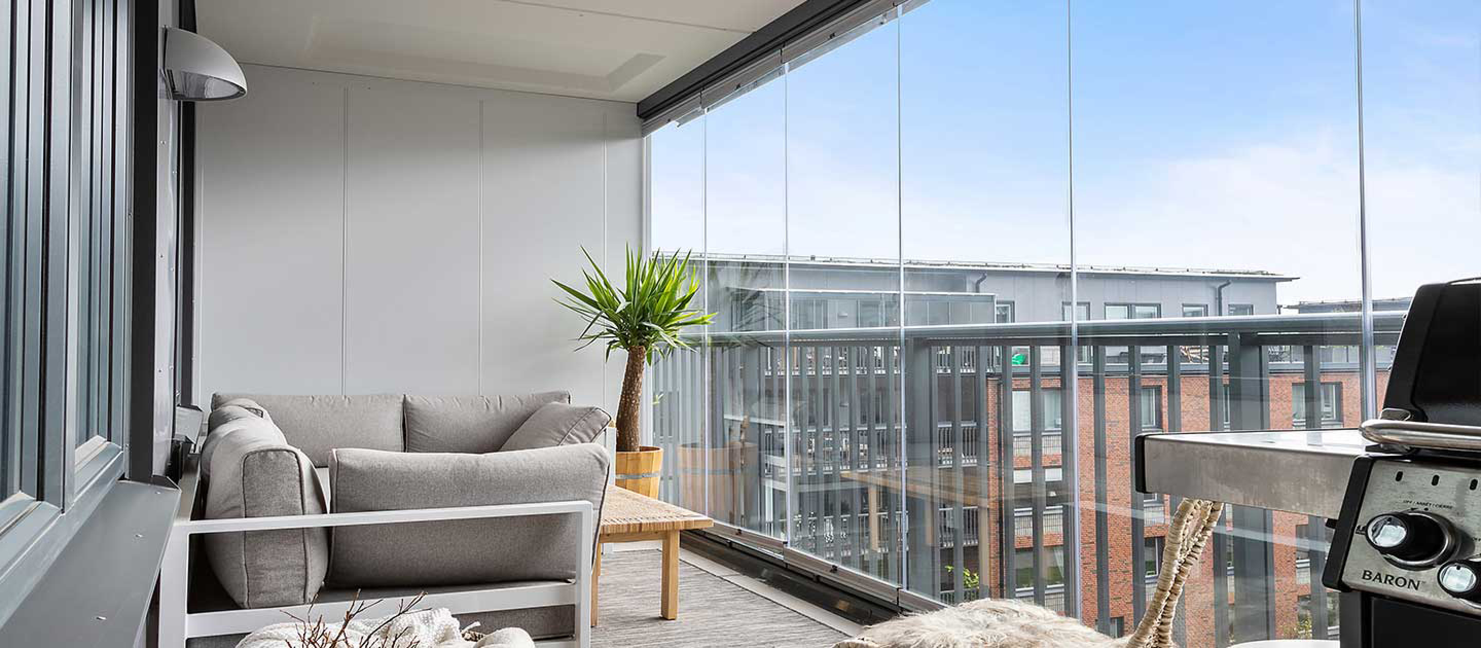 glass balcony, glass balcony façade, balcony façade, lumon glass balcony, lumon glass balcony façade, lumon, glass balcony delta, glass balcony surrey, glass balcony white rock, lumon façades, balcony glass,