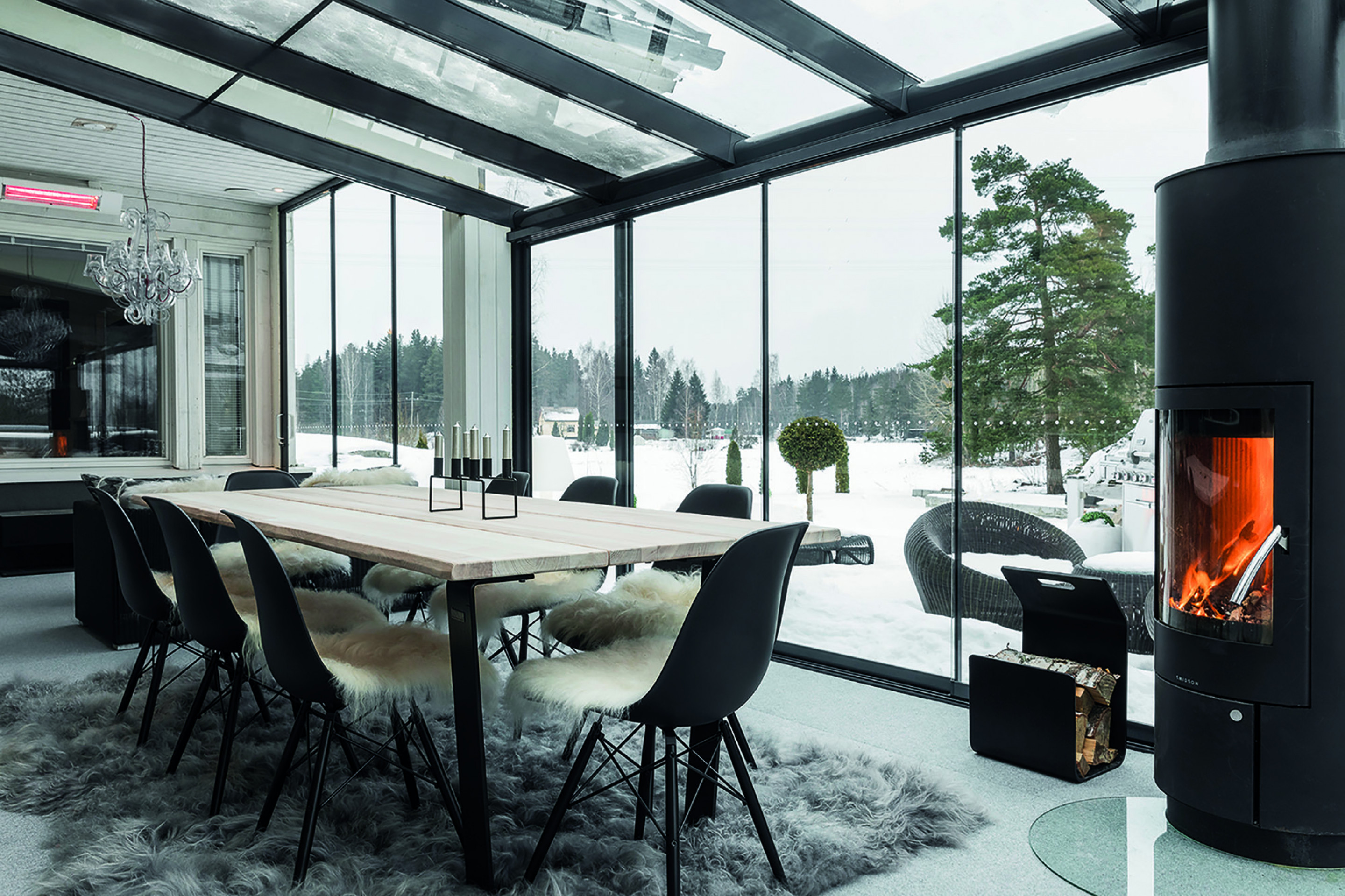 Lumon retractable glass sunroom in winter, glass sunroom winter, winter sunroom