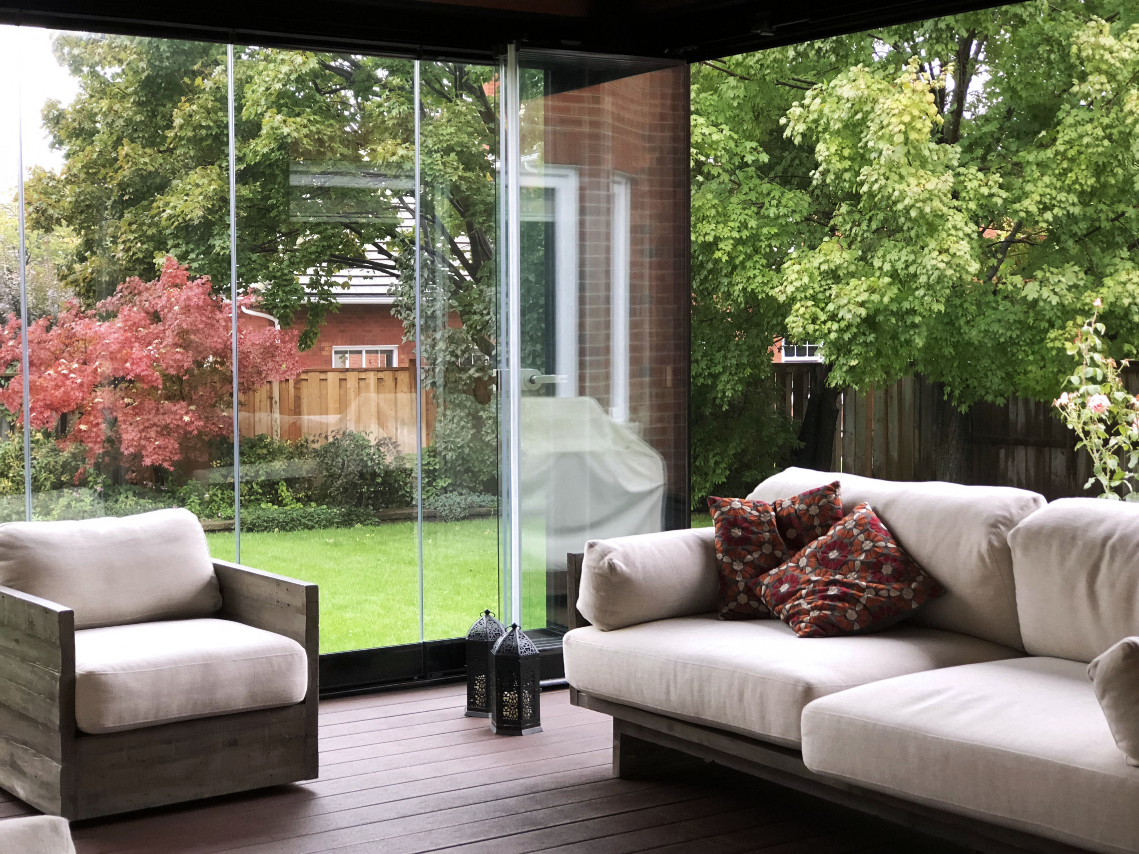 lumon canada, east gwilllimbury, retractable glass enclosure, sunroom ontario, sunroom vancouver, glass