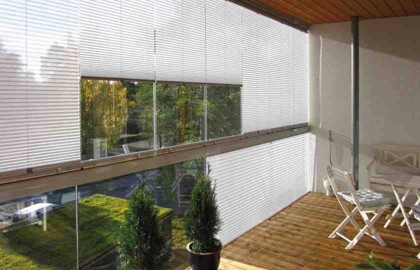 balcony glass shades, balcony glass windows, window shades, sun protective shades, shades for sunroom, sunroom curtains