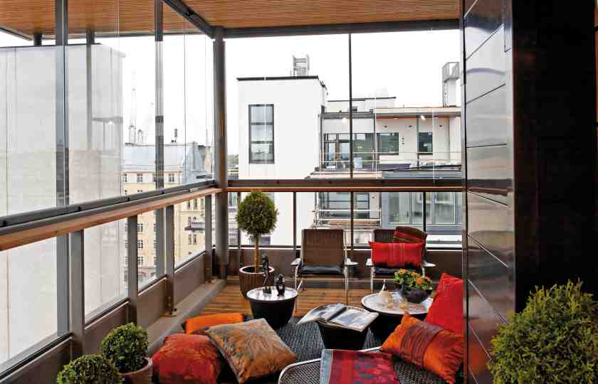 balcony enclosure, balcony glass, glass balcony enclosure, balconies in toronto, balcony enclosure vancouver, condo enclosure, all year round balcony