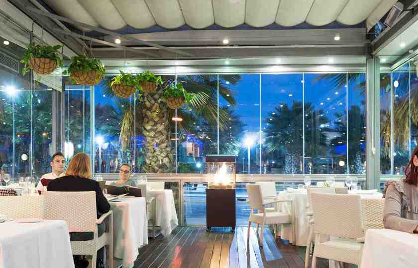 Lumon Restaurant glass curtains