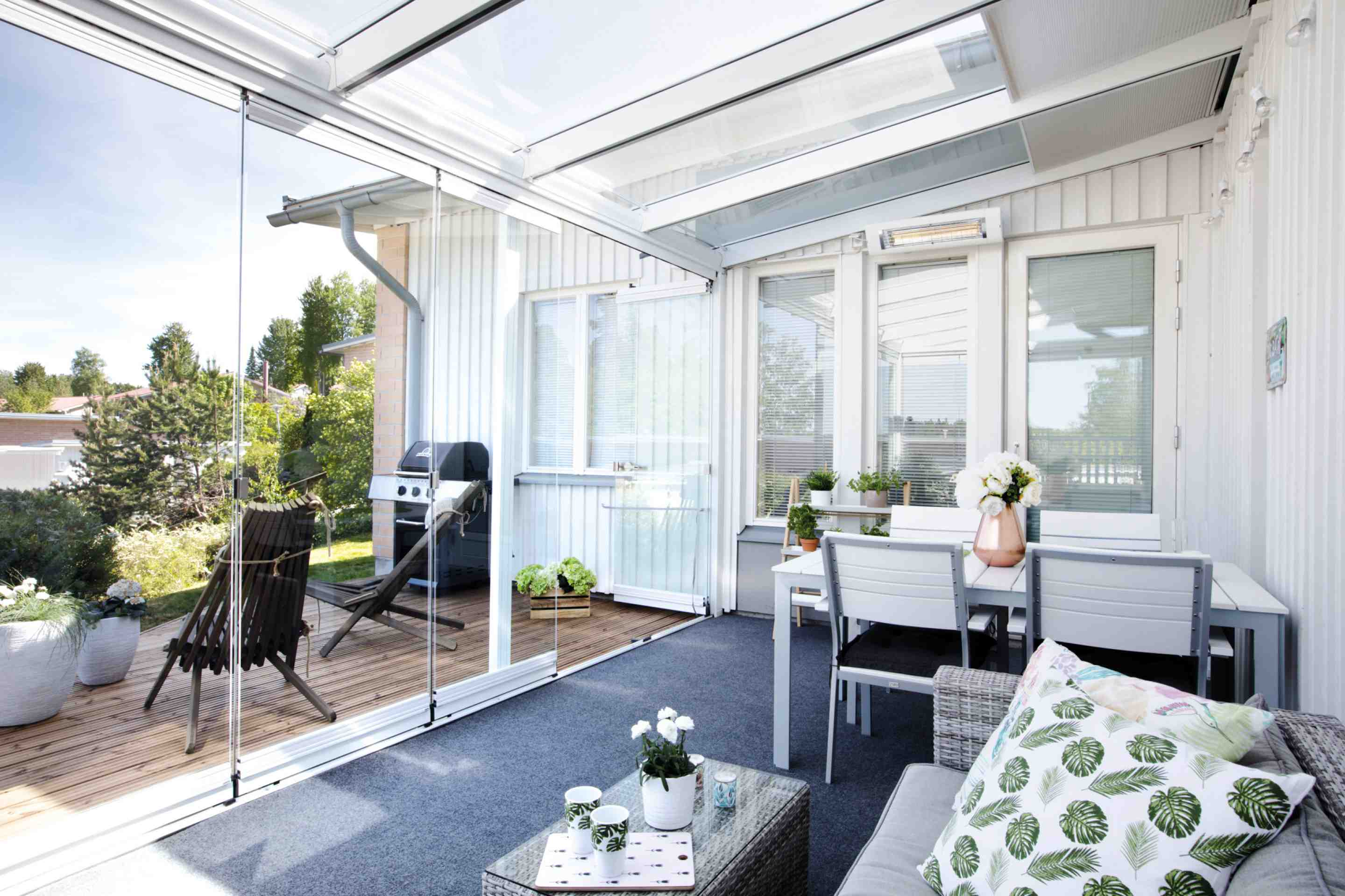 sunroom, sunroom images, sunroom options, sunroom walls, sunroom additions in canada, three season sunroom