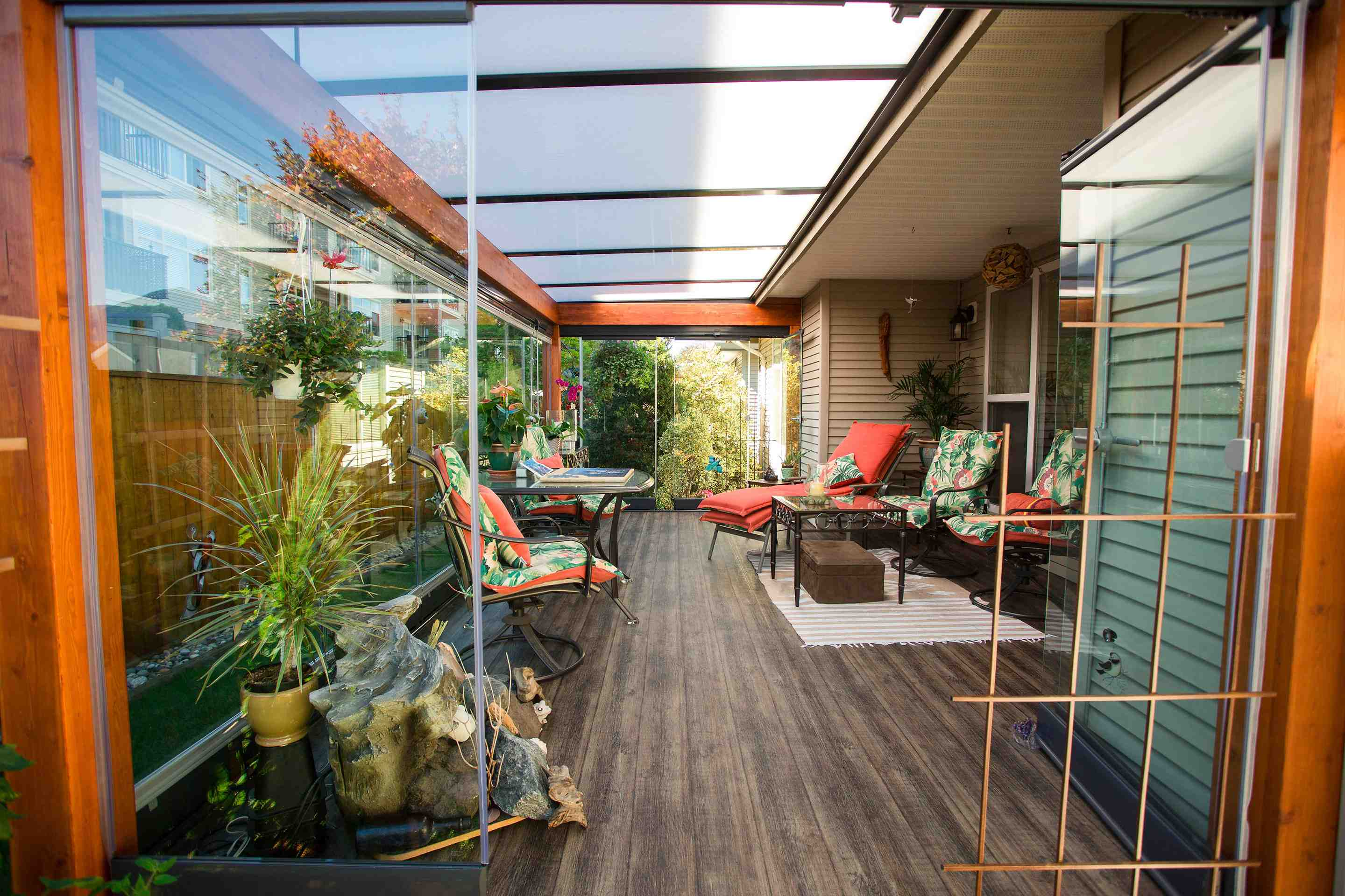 sunroom toronto, sunroom hamilton, sunroom vancouver, sunroom cambridge, sunroom kitchener, sunroom gta, sunroom stoney creek, sunroom bc, retractable glass wall, glass, patio cover toronto, patio cover hamilton, patio cover vancouver