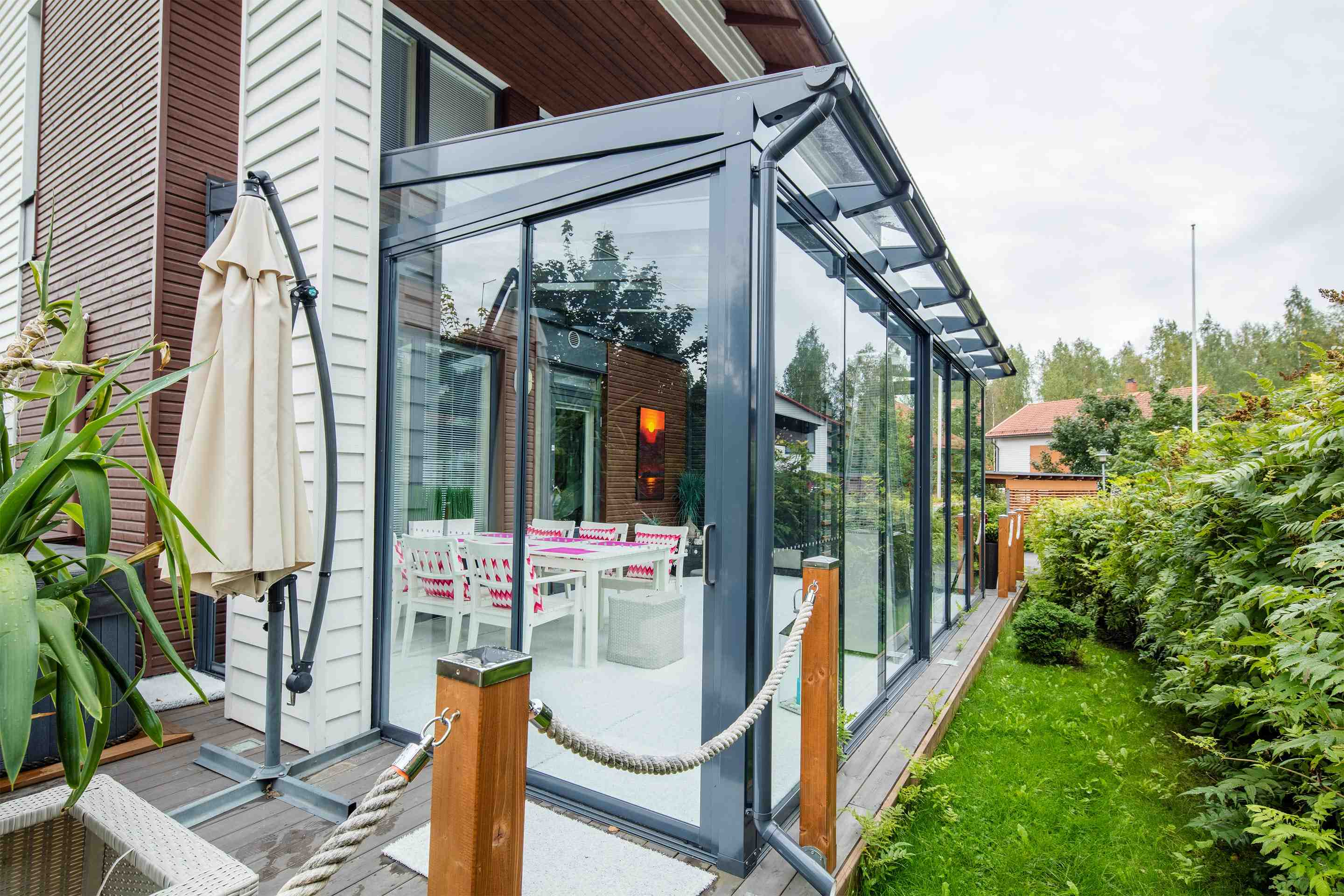 lumon canada, sunroom hamilton, sunroom toronto, sunroom vancouver, retractable glass