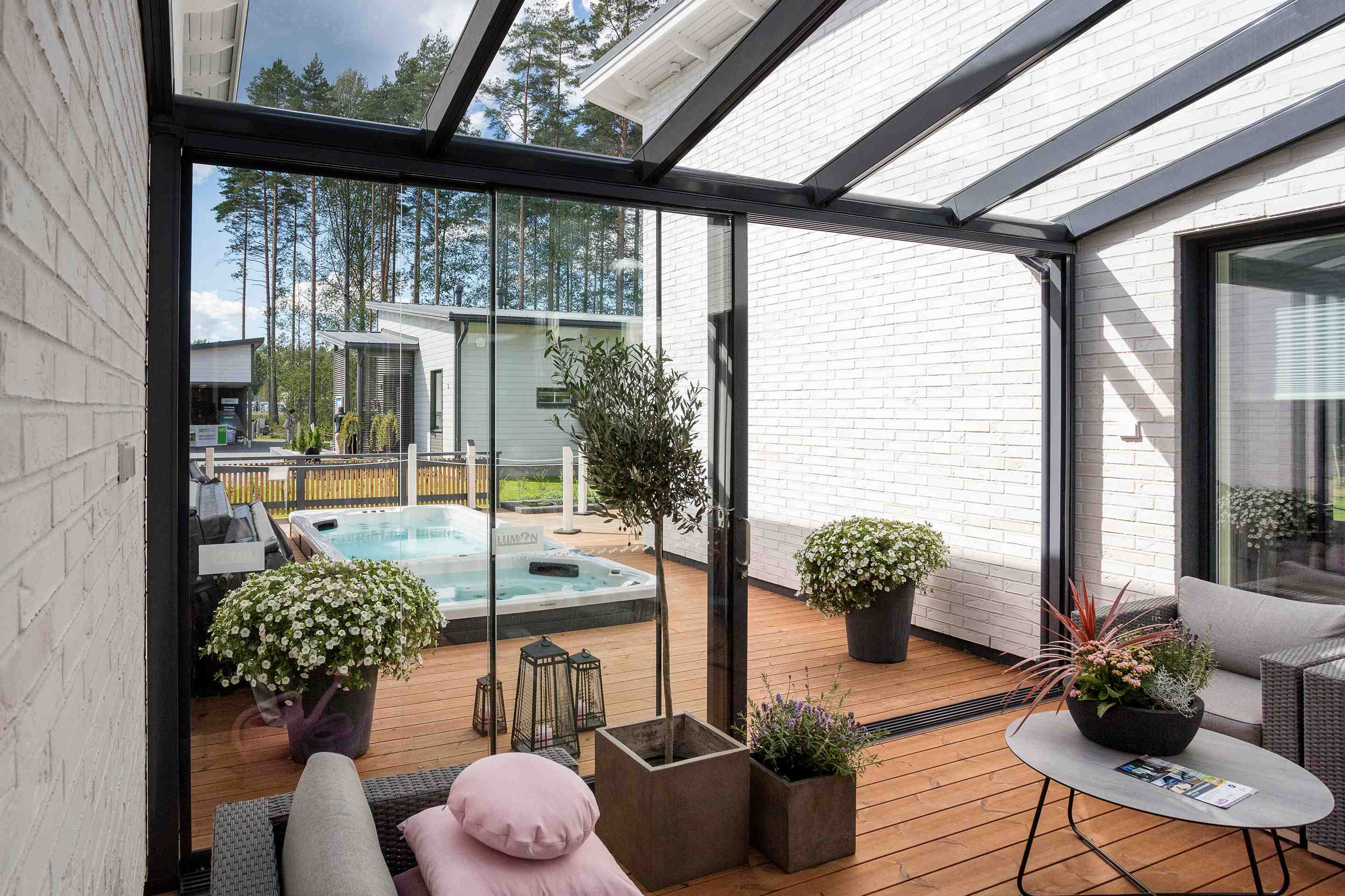 Lumon Canada, Sunroom Toronto, Sunroom Hamilton, Sunroom Vancouver, Glass, Outdoor Living