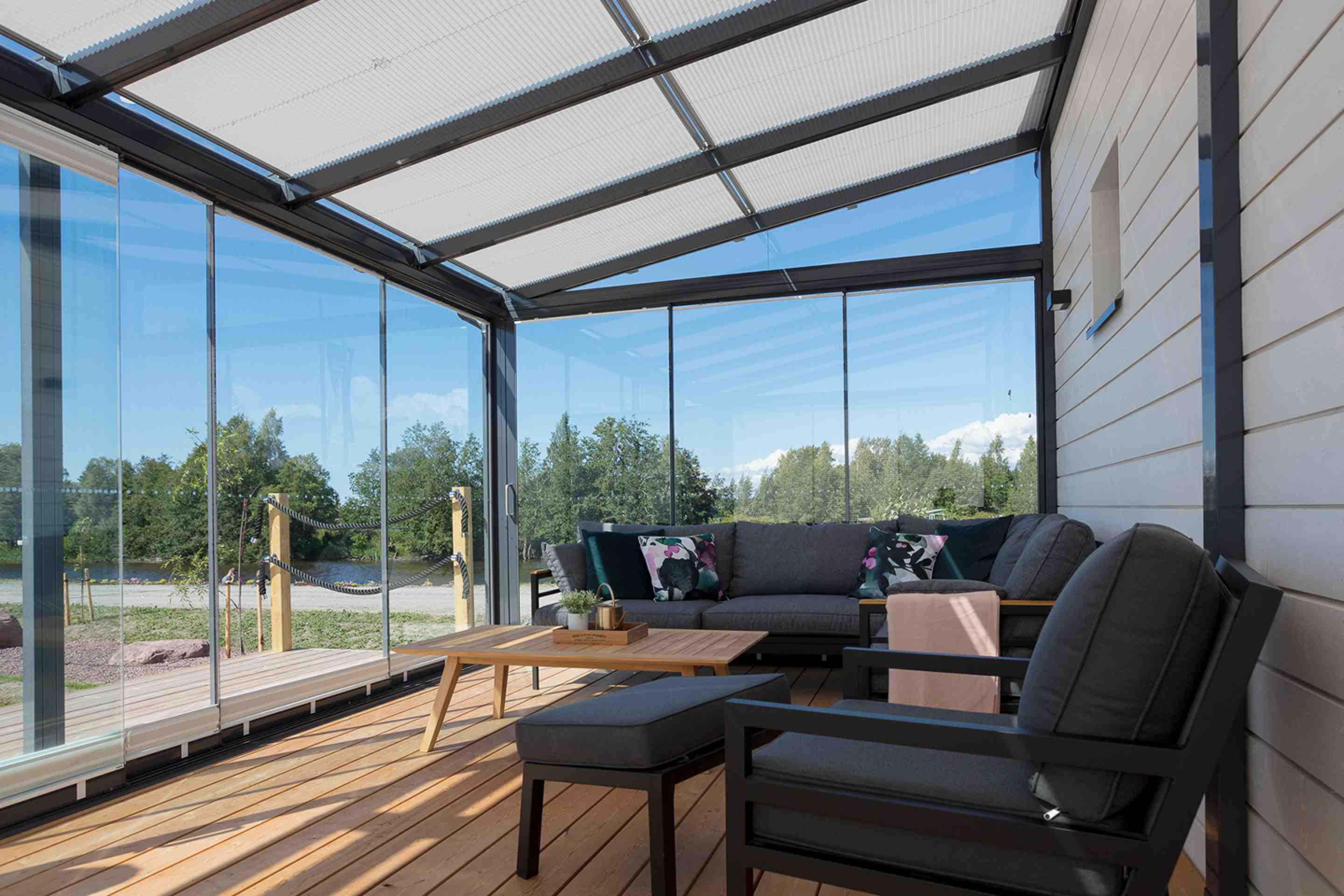 patio covers, deck covers, deck coverings, backyard covered patio, best patio covers, patio cover toronto, patio cover vaughan, patio cover mississauga, patio cover hamilton, patio cover vancouver, patio cover surrey, patio cover canada, lumon canada,