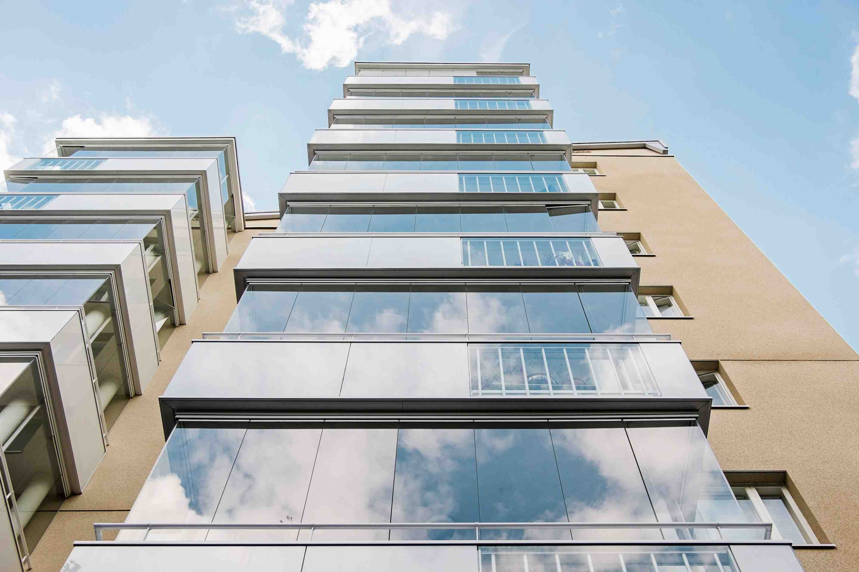renovation, building renovation, building facades, building facade, building facade Vancouver, balcony facade, balcony facade Vancouver, balcony facade system, balcony facade system Vancouver, balcony windows, balcony windows Vancouver, balcony glass, balcony glass Vancouver, retractable glass, railings