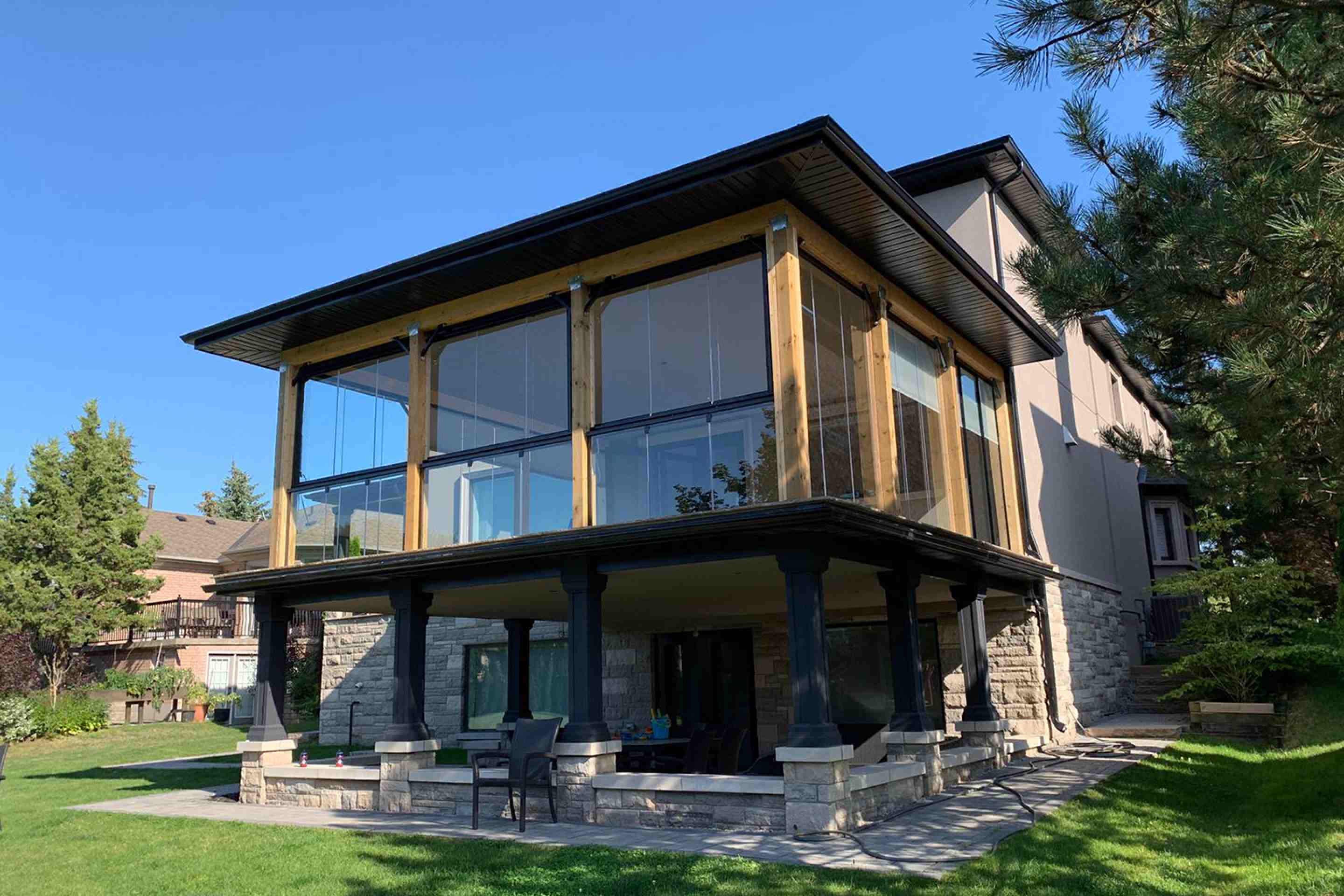 lumon canada, sunroom toronto, sunroom hamilton, sunroom vancouver, sunroom in canada, glass, retractable glass, outdoor enclosure, balcony glass in canada, balcony enclosure, Balcony glass toronto, balcony glass hamilton, balcony glass vancouver