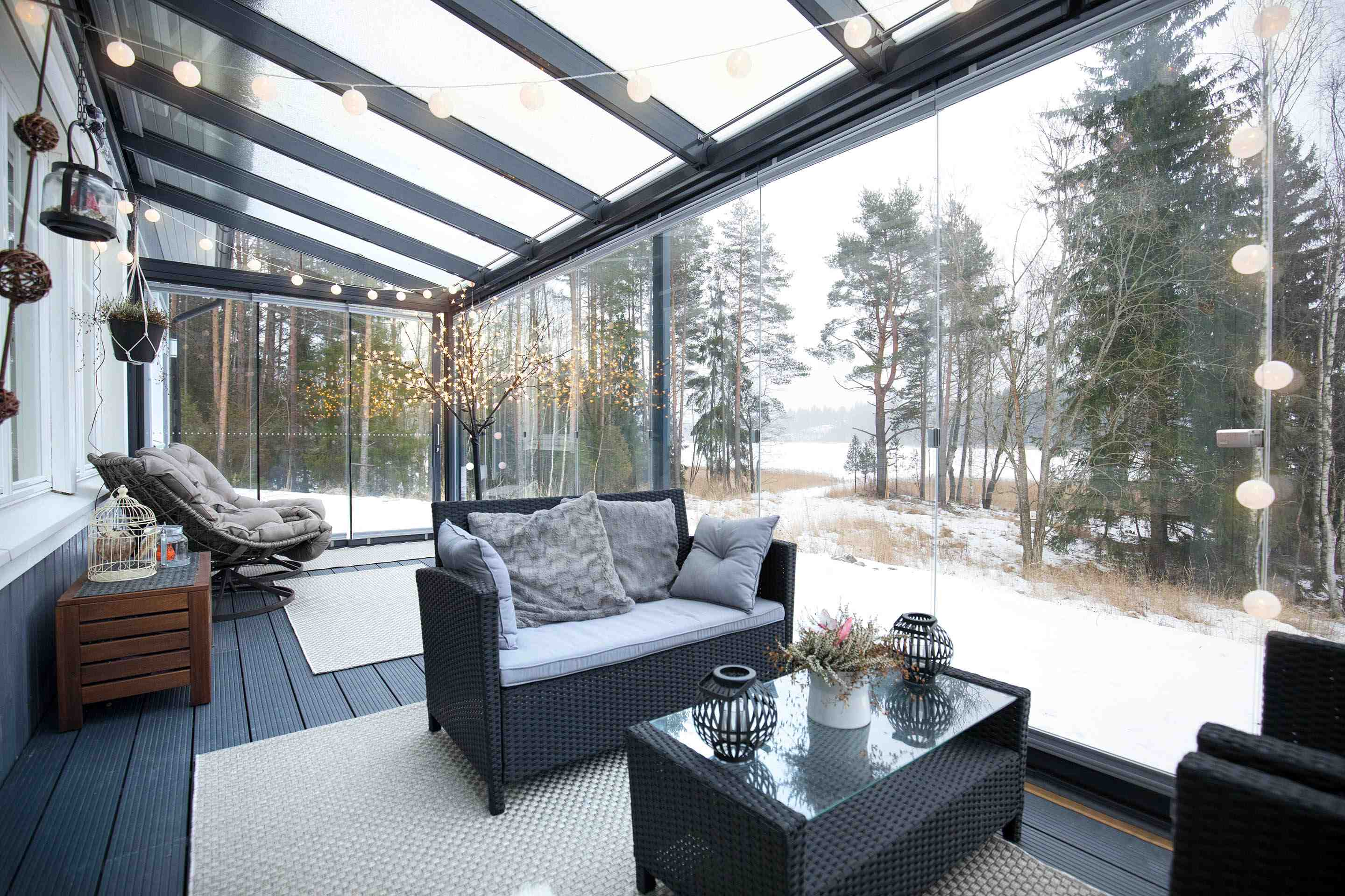 winter sunroom, glass sunroom, glass enclosure, sunroom installation, sunroom addition near me, sunroom companies, four season sunrooms, beautiful sunrooms, sunroom
