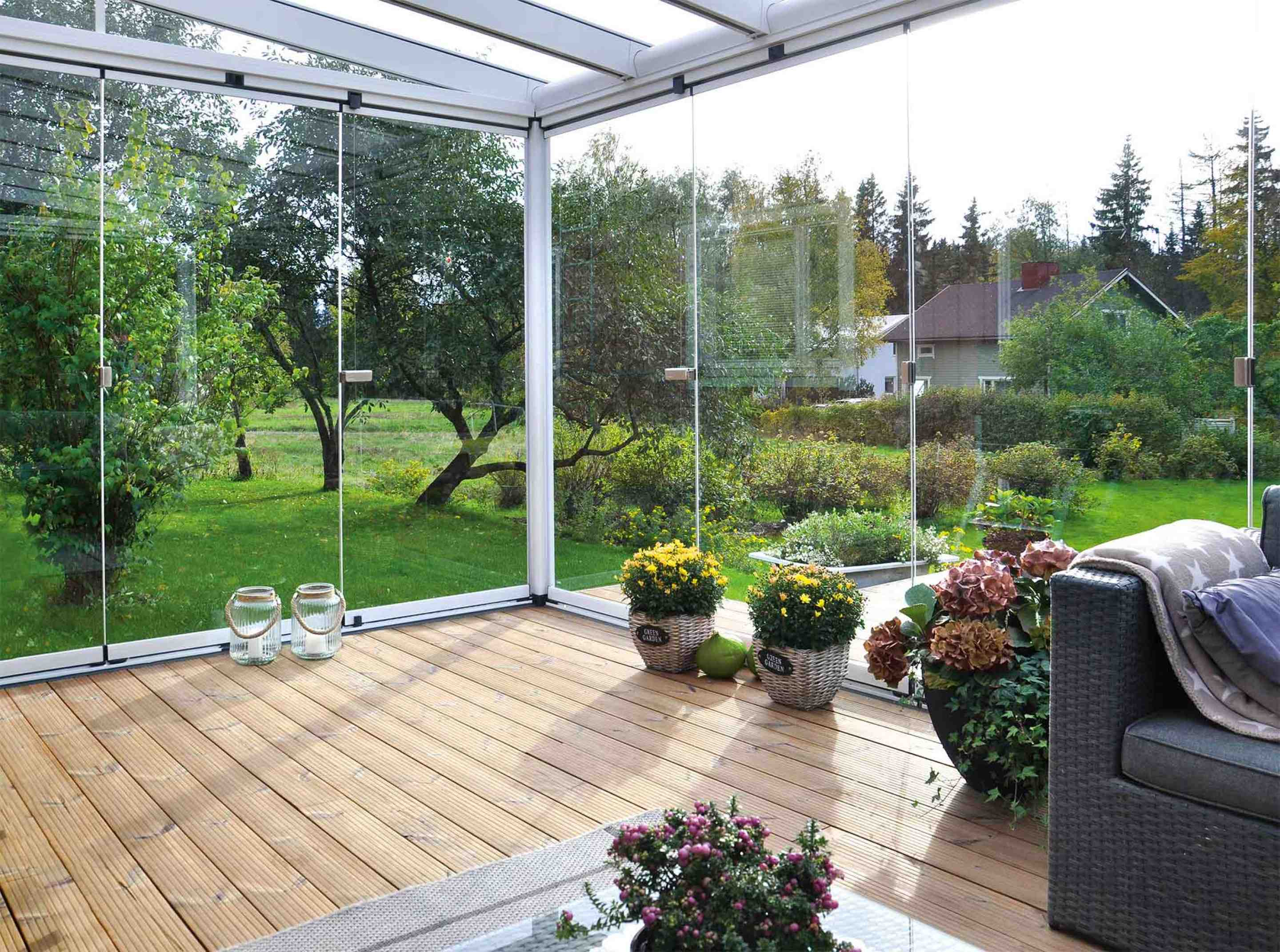 Glass curtains and immovable glass roof
