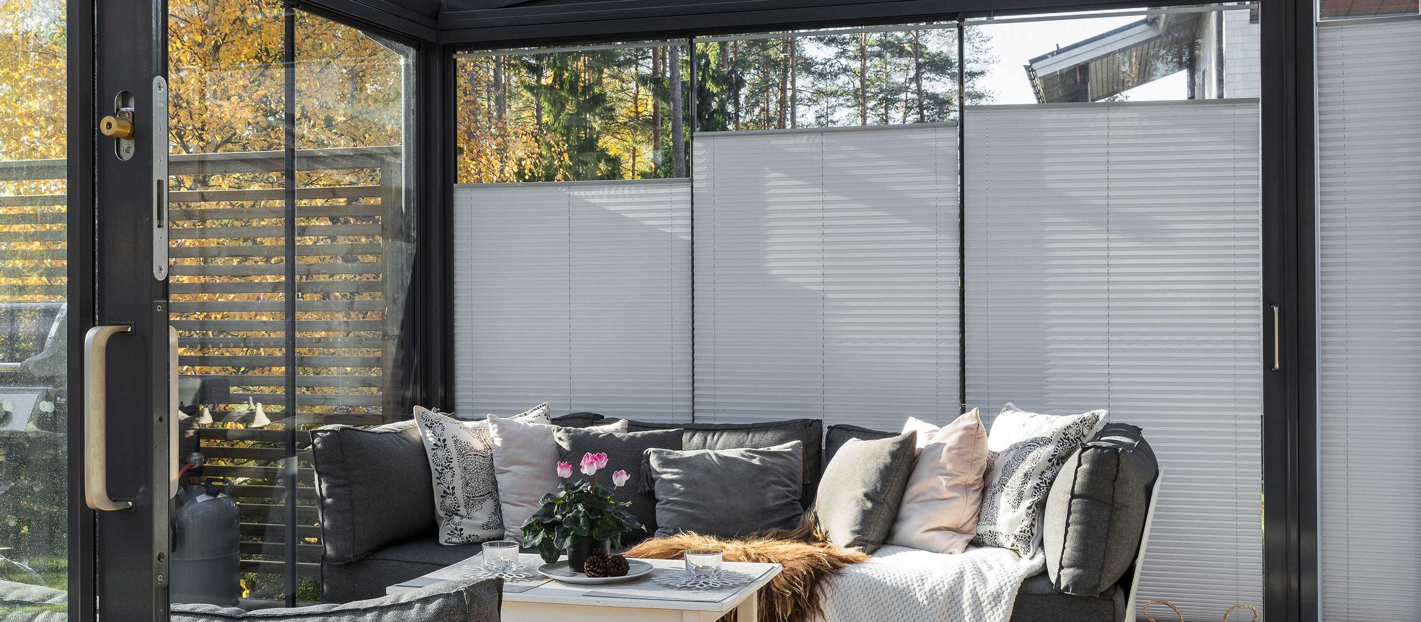 shades, window shades and screens, balcony blinds, sunroom shades, sunroom curtains, quality shades, window blinds, sunroom blinds, curtains for sunroom