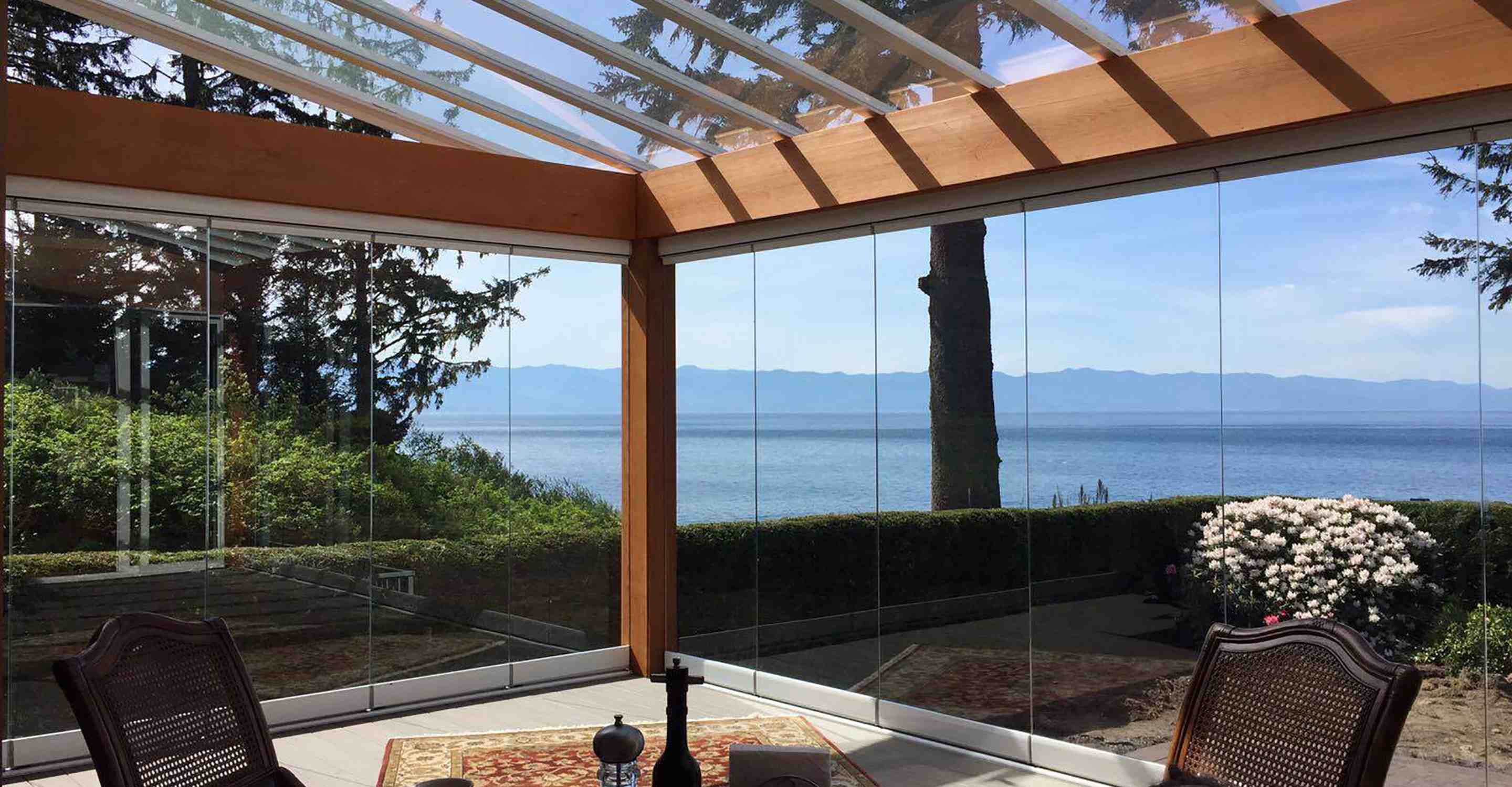 lumon canada, retractable glass walls, fall season, glass walls, outdoor living, retractable, sunrooms hamilton, sunrooms toronto, sunrooms vancouver, sunrooms vaughan, sunrooms langley, sunrooms stoney creek, sunrooms kitchener, sunrooms cambridge, sunrooms maple ridge, sunrooms mississauga