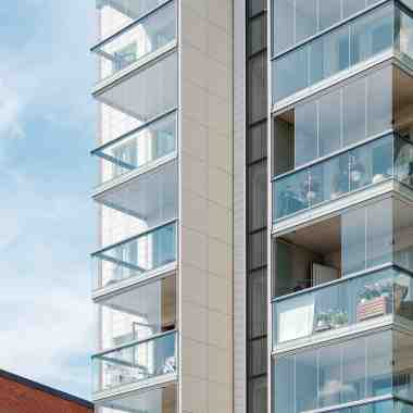 lumon canada, balcony enclosure, retractable glass walls, balcony glazing toronto